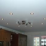 Натяжные потолки в интерьере: тканевые или пленочные