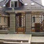 Заборы элитные. Древесина, кирпич, металл или бетон: варианты исполнения