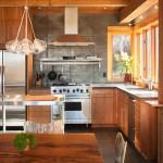 Уютные деревянные кухни